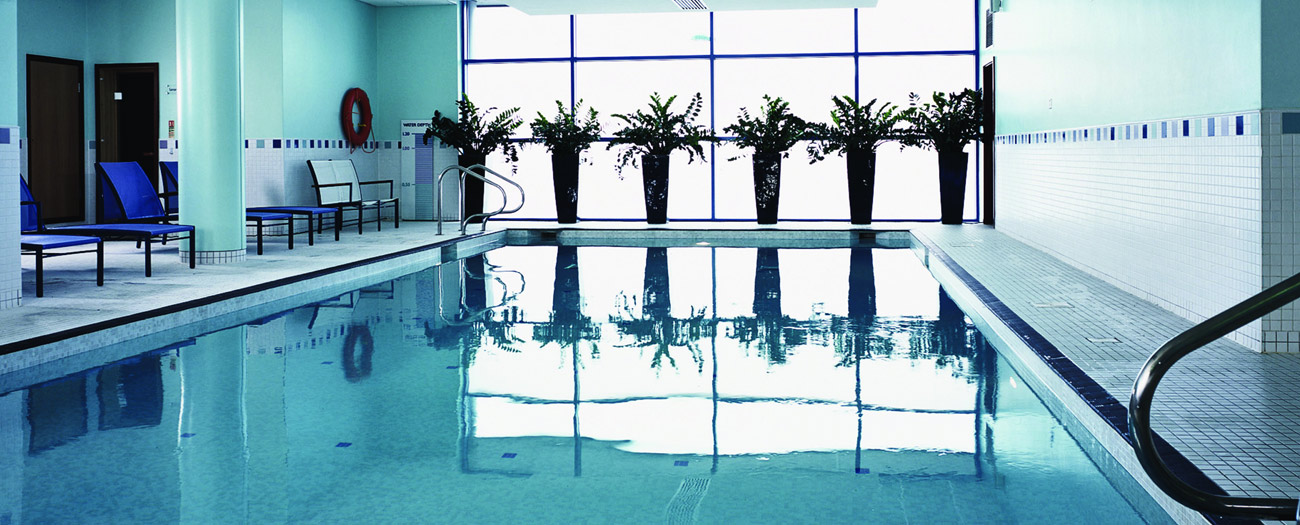 Reading Lake Hotel Swimming Pool